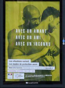 une-des-affiches-de-la-campagne-contre-le-sida-que-certains-maires-ont-choisi-de-censurer-le-22-novembre-a-rennes_5750537
